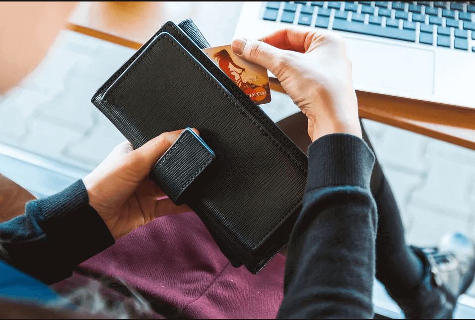 Отличия дебетовой и кредитной карты