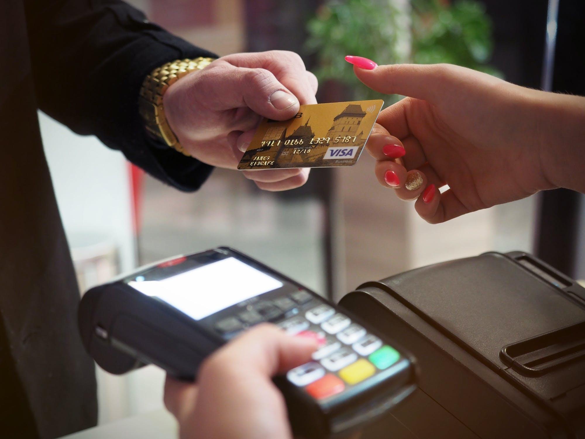 Как восстановить ПИН-код на банковской карте