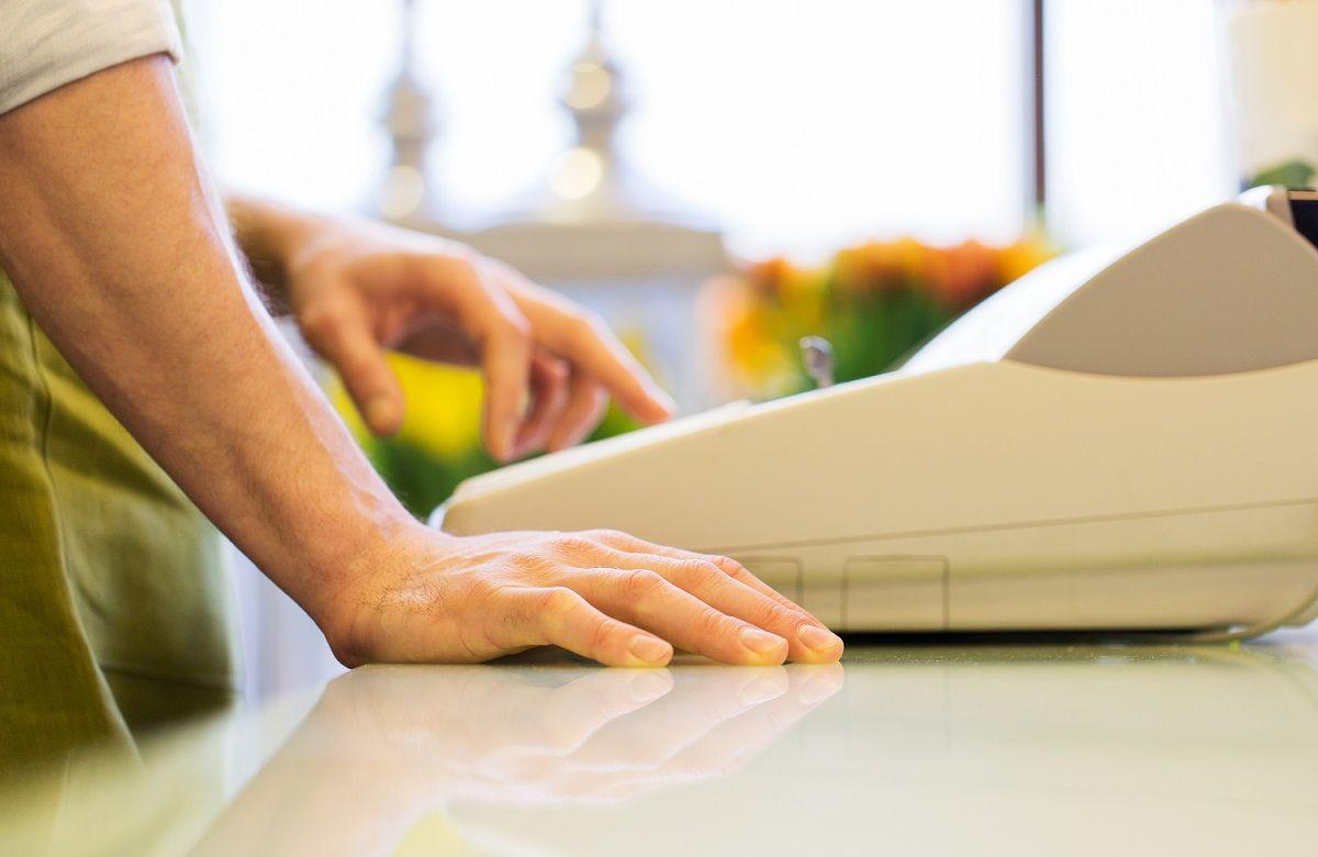 Обслуживание с помощью онлайн-кассы